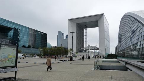 En France, les patrons de PME travailleraient environ 42,1 heures par semaine.