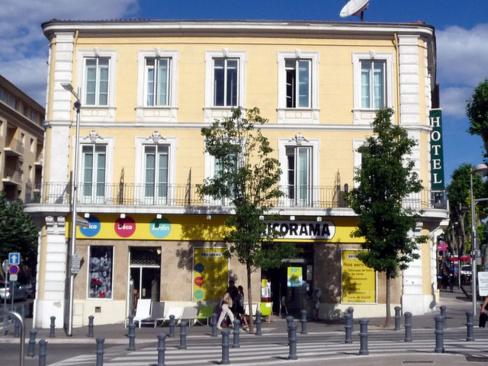 Six magasins Bricorama sont actuellement menacés de fermeture, perdant trop d'argent à ne pas ouvrir le dimanche.