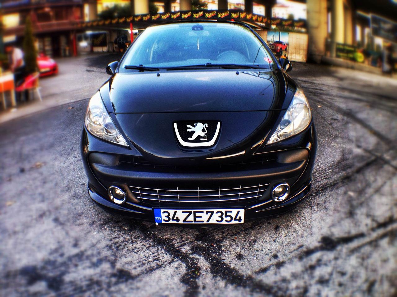 Le Groupe PSA envisage l'achat d'Opel