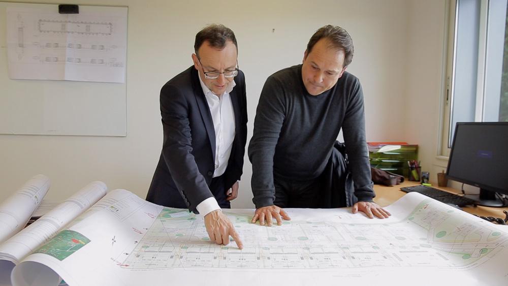 Renaud Sassi (à gauche), PDG de Logelis (Credit : logelis.com)