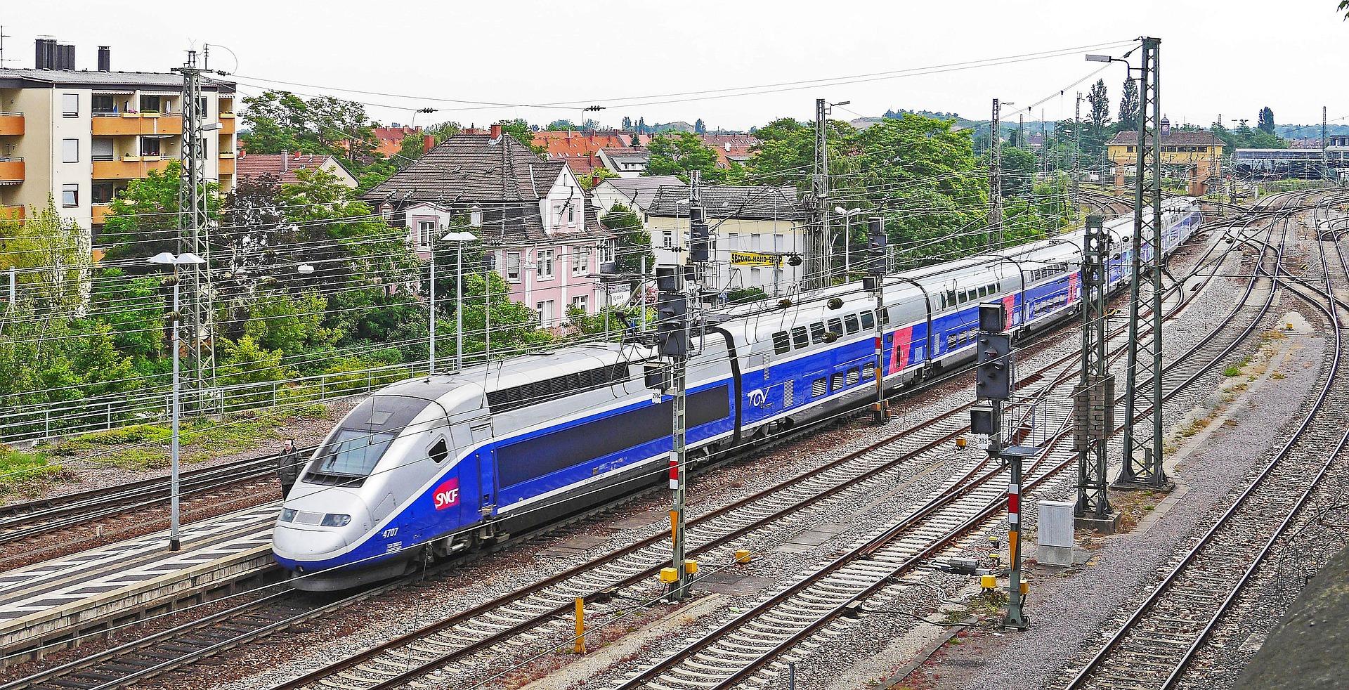 SNCF : les syndicats décident de consulter les cheminots sur la réforme