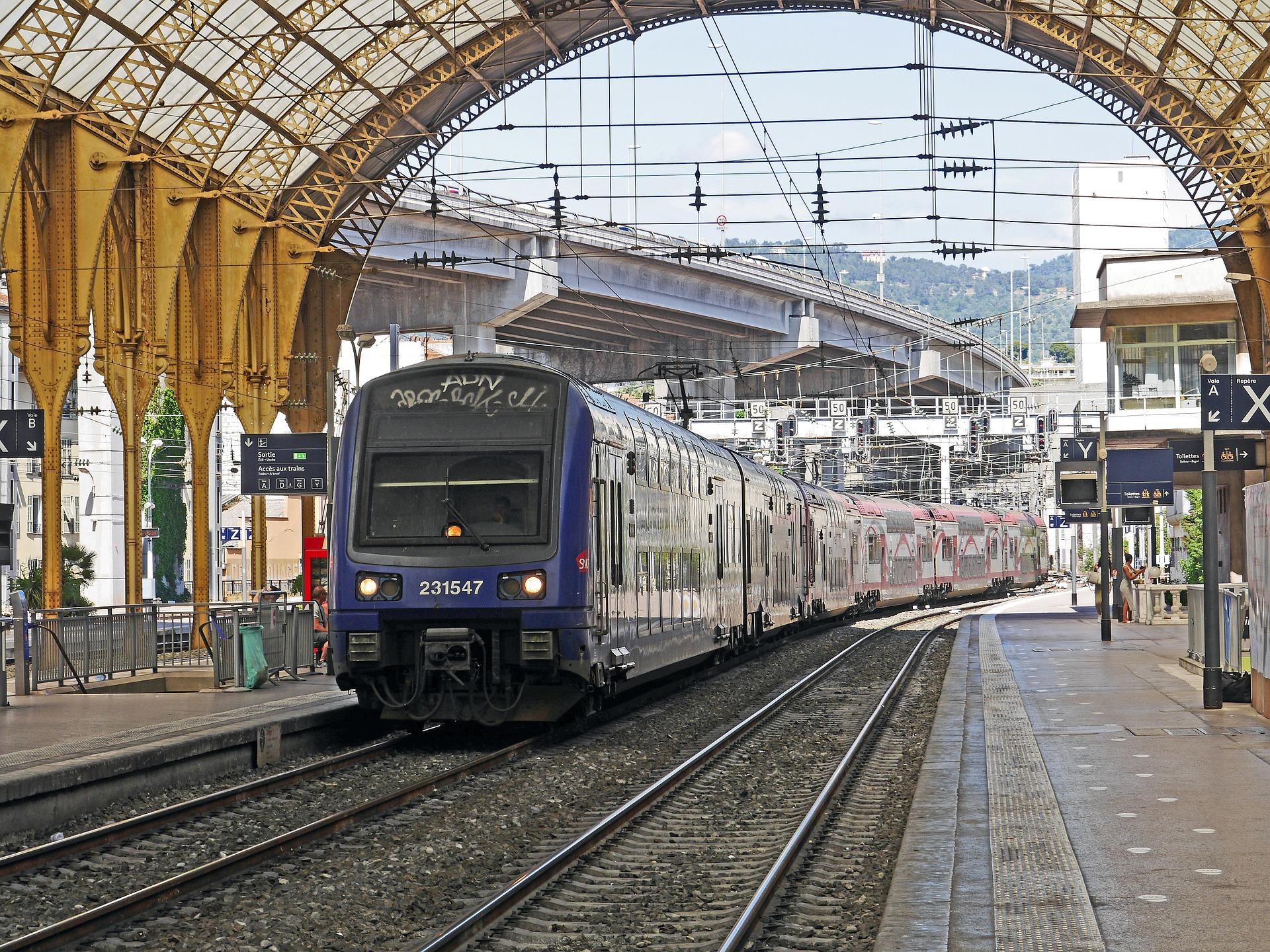 SNCF : l'Etat reprendra entre 30 et 35 milliards d'euros de la dette