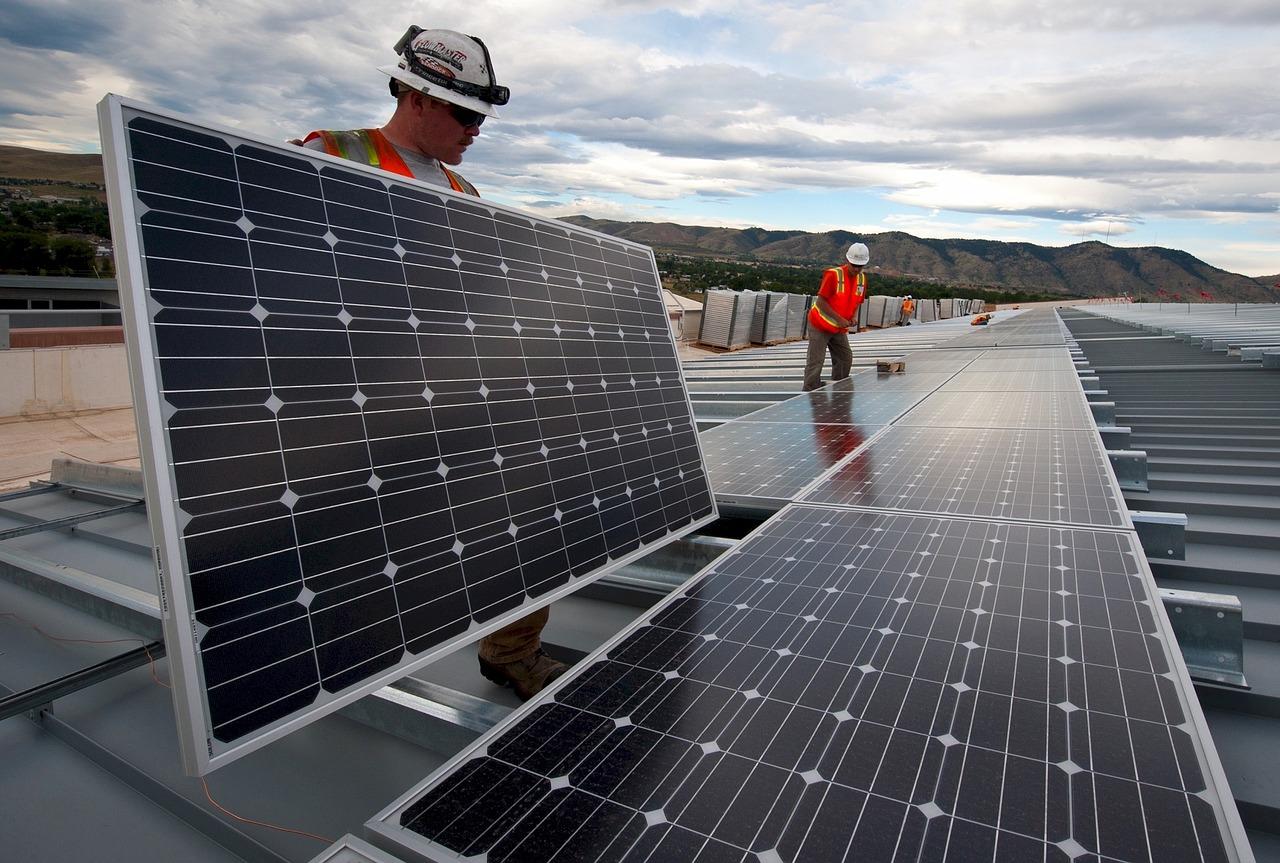 L'Europe ouvre grand les portes aux panneaux solaires chinois