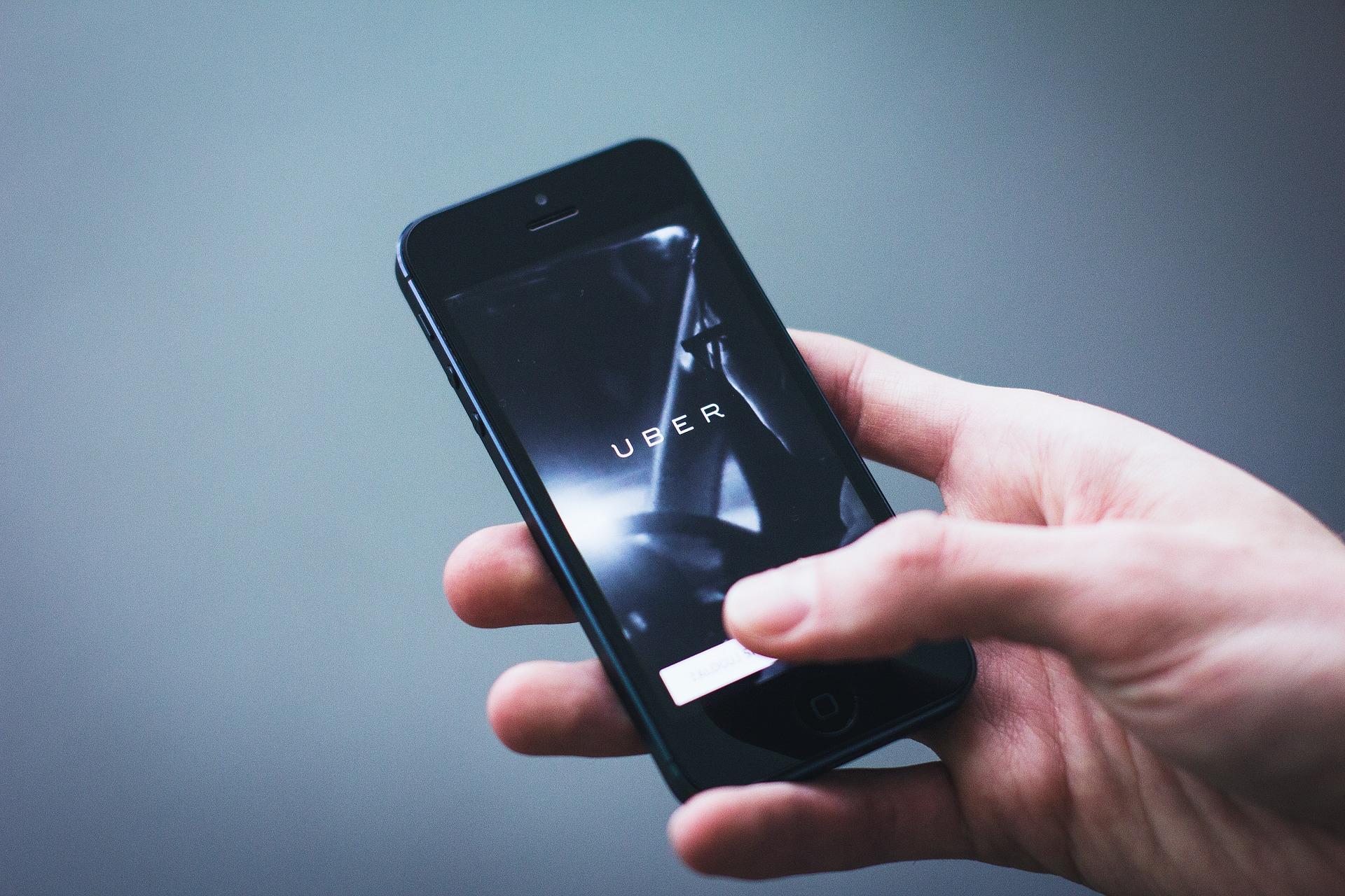 Uber s'implante durablement à Aix-en-Provence, Avignon et Toulon