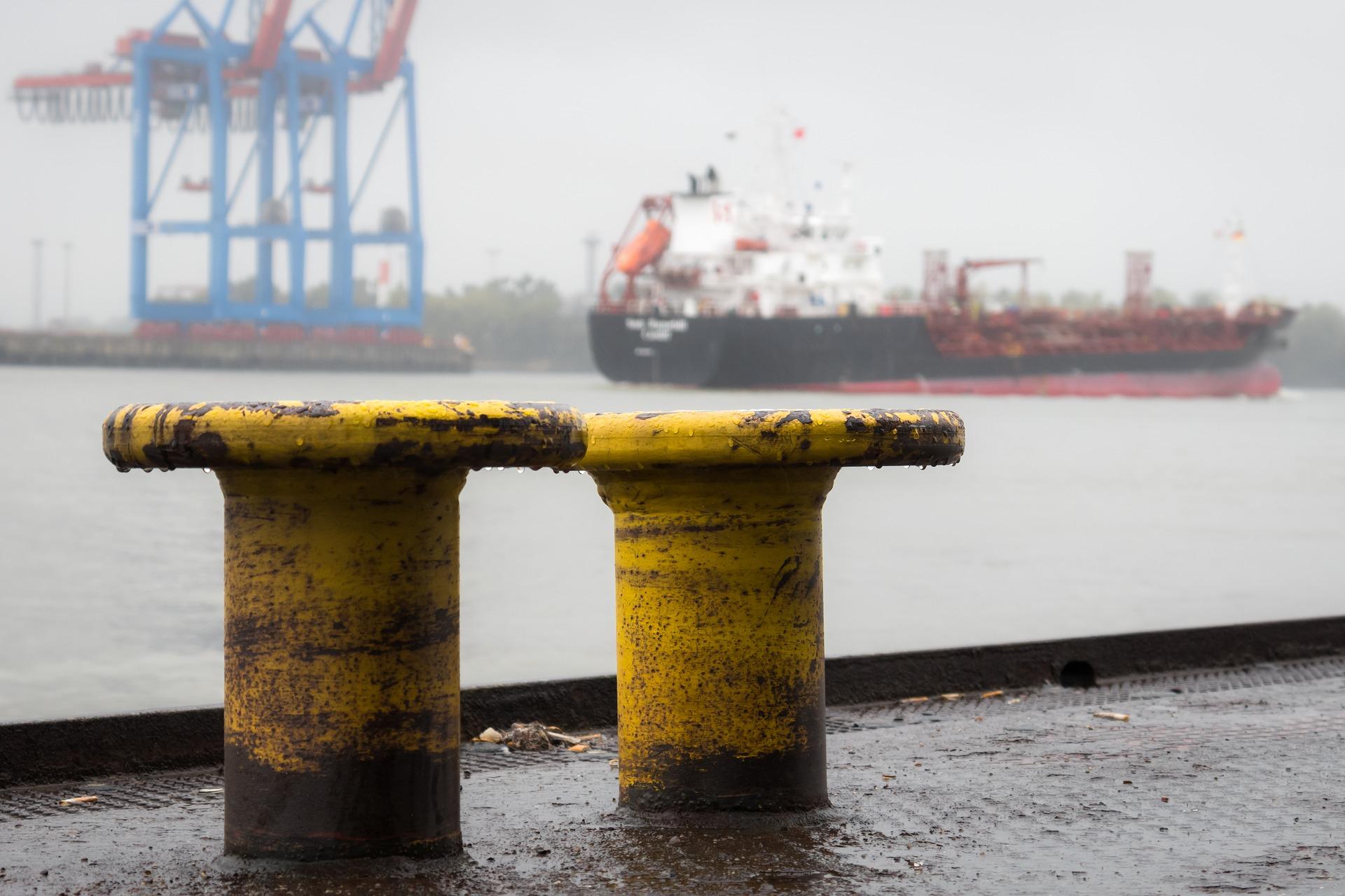 """Ports africains : le groupe Bolloré mis en examen pour """"corruption"""""""