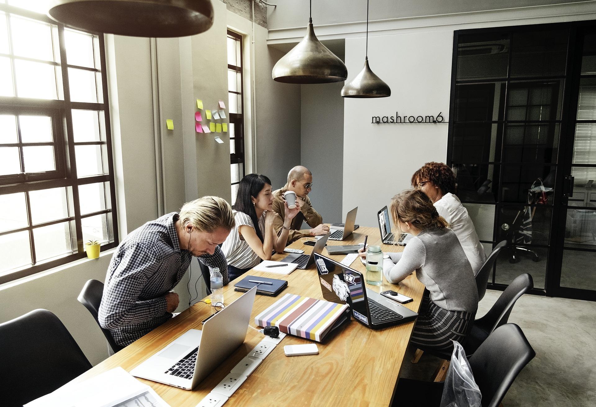 Les femmes chefs d'entreprise s'en sortent mieux que les hommes avec l'administratif