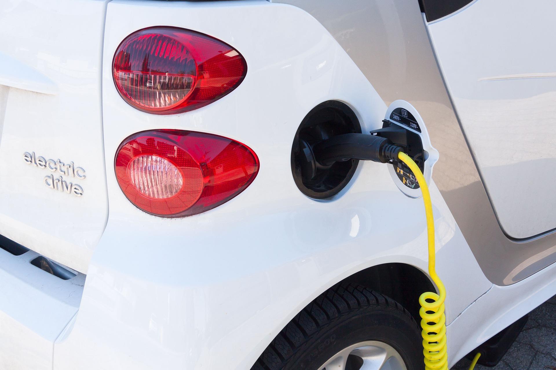 La voiture électrique peine à conquérir l'Europe