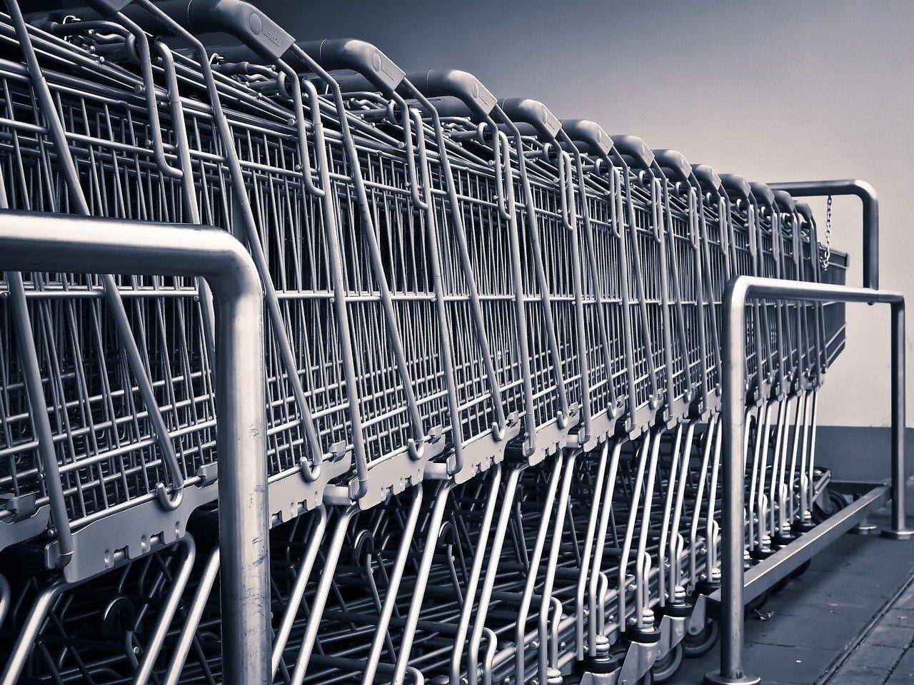 Auchan entrevoit les premiers résultats de son plan de redressement