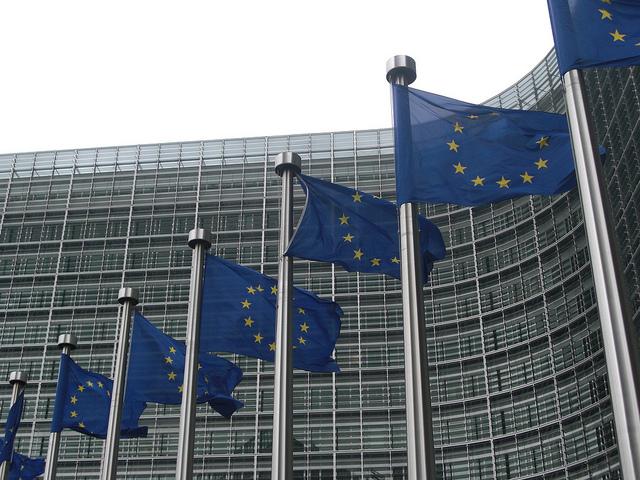 La Commission européenne vient de faire voler en éclat les prévisions de croissance du gouvernement.