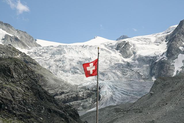 Les Suisses se sont opposés à 65 % au plafonnement des hauts salaires.