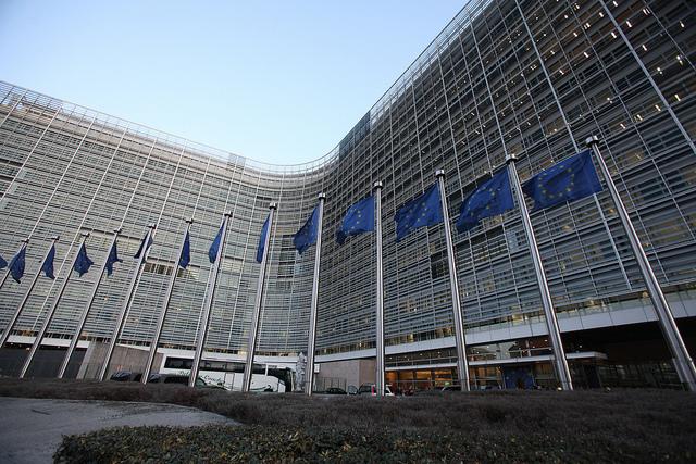 Bruxelles espère que des pays comme les Pays-Bas ou le Luxembourg accepteront les nouvelles mesures en matière de lutte contre l'évasion fiscale.