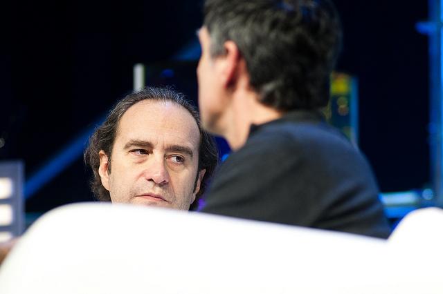 Xavier Niel vient de diviser par cinq les prix du marché de la 4G en France.